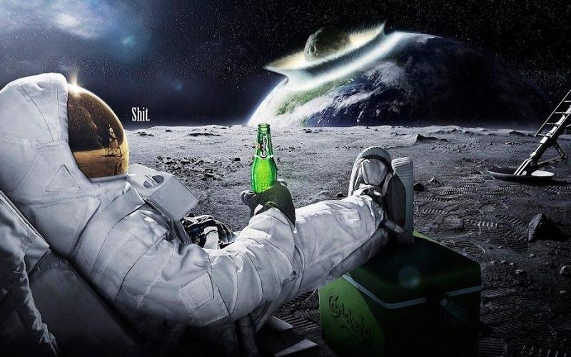 carlsberg-beer-pub-earth-terre-astronaute-numerik