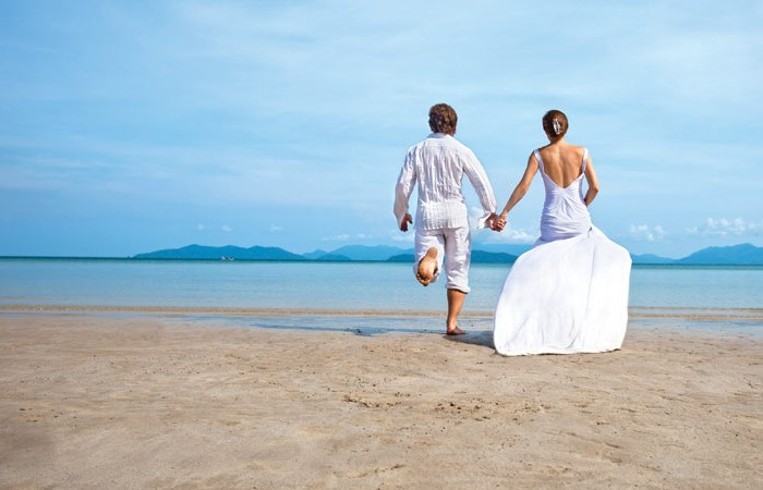 How To Throw An Ocean-Inspired Wedding