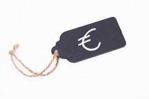 Versteckte Zusatzkosten: Vorsicht vor unzulässiger Werbung