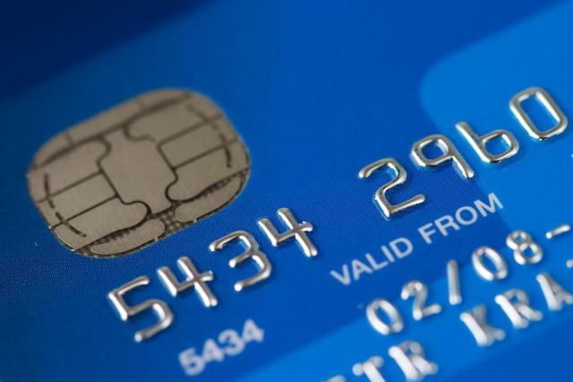 EC-Karten und Kreditkarten: Vertrauen Verbraucher dem falschen Zahlungsmittel?