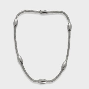 Simple station necklace in sterling silver.