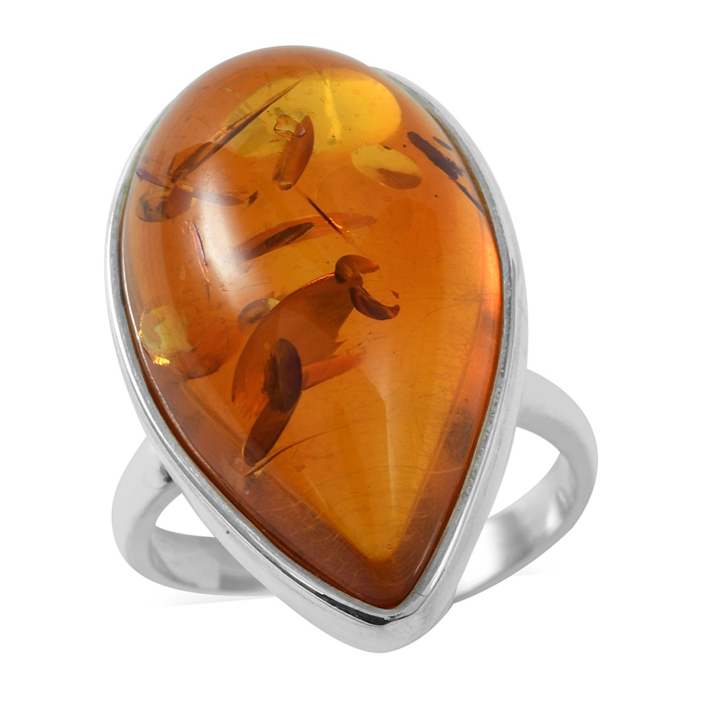 Pear shaped amber ring in sterling silver.