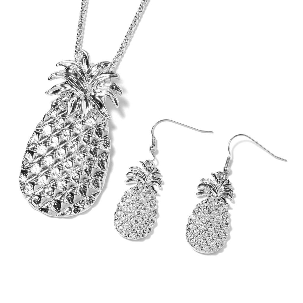 Silver pineapple pendant and earrings set.