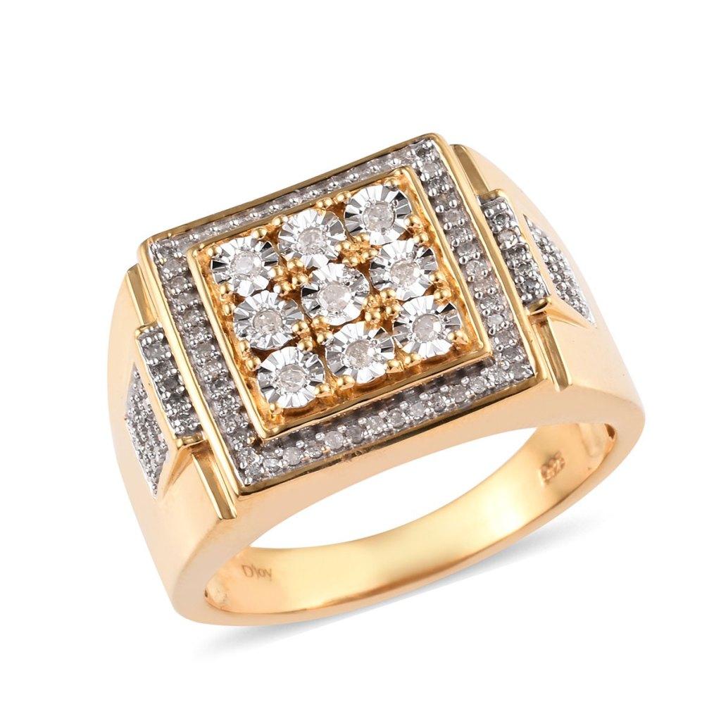 Geometric diamond ring in yellow gold.