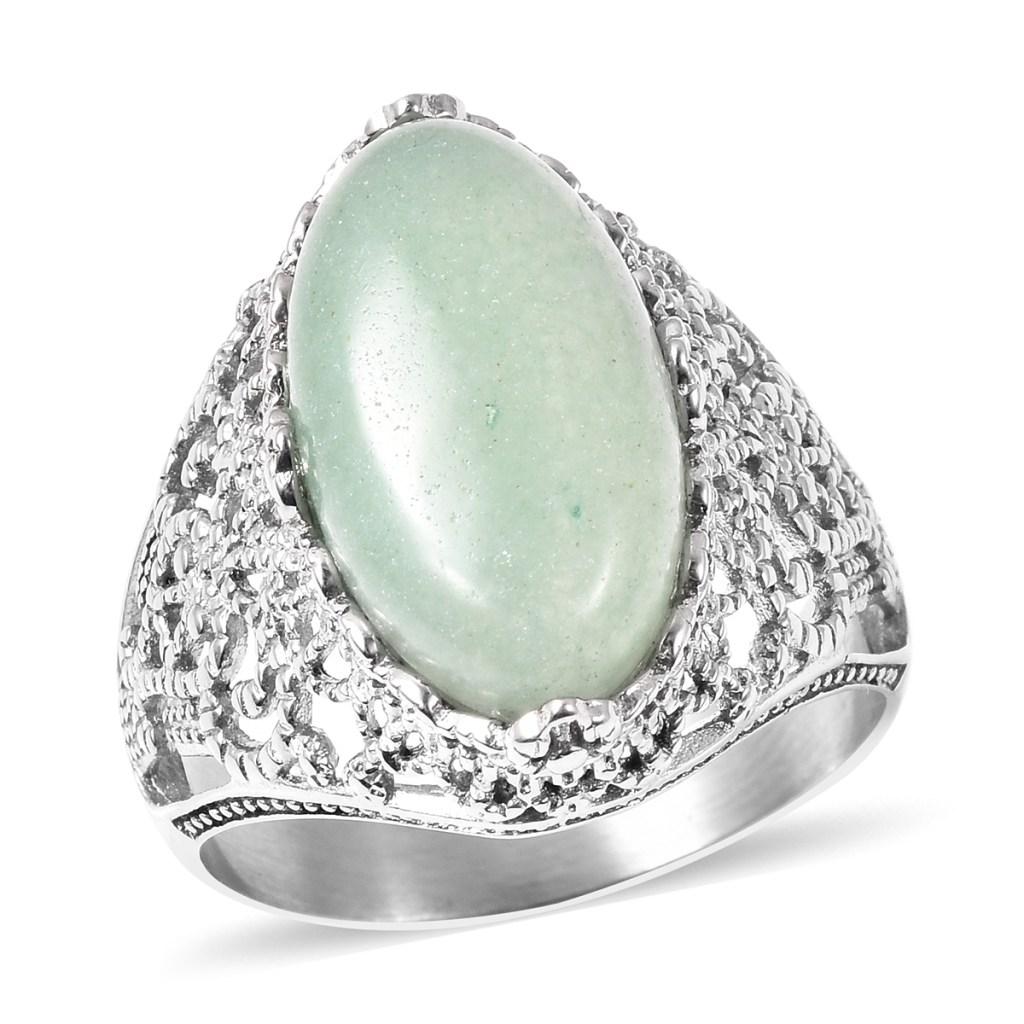 Green aventurine ring in sterling silver.