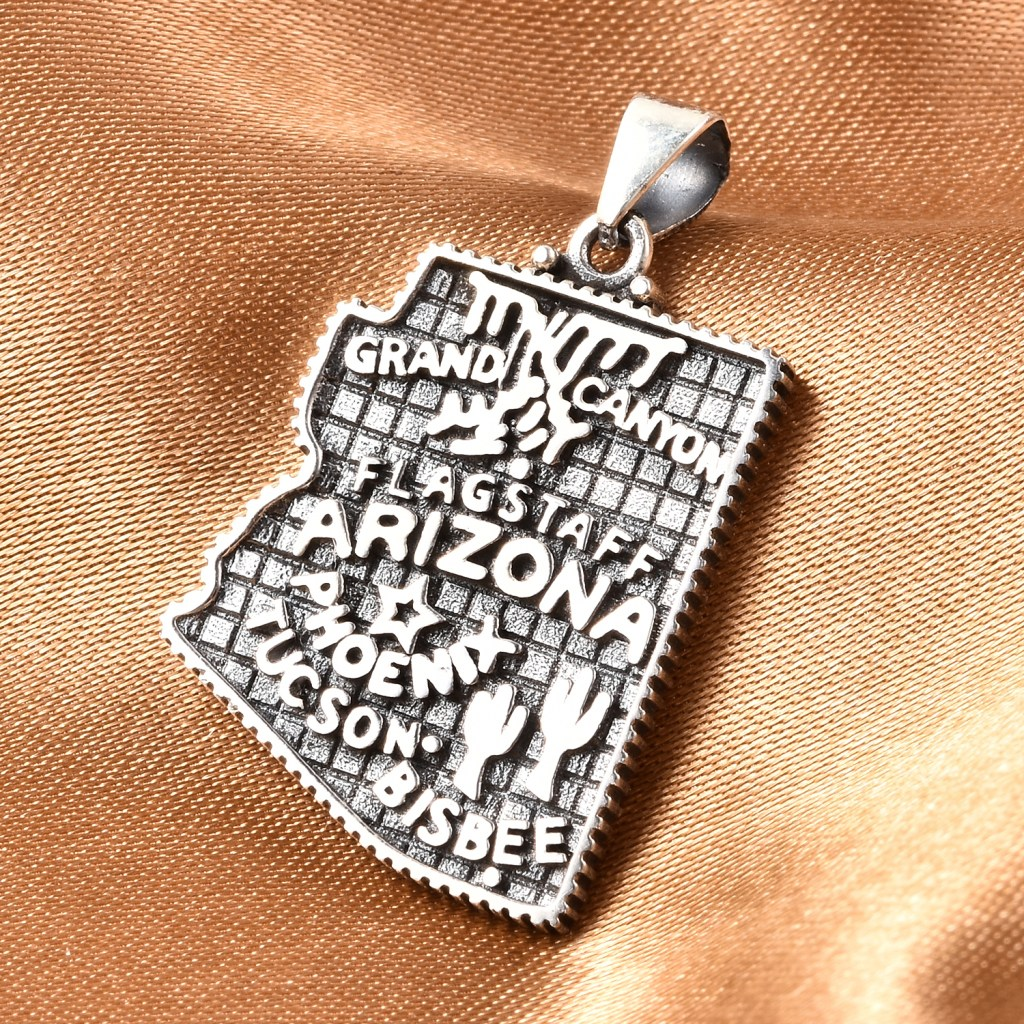 Sterling silver Arizona state pendant.