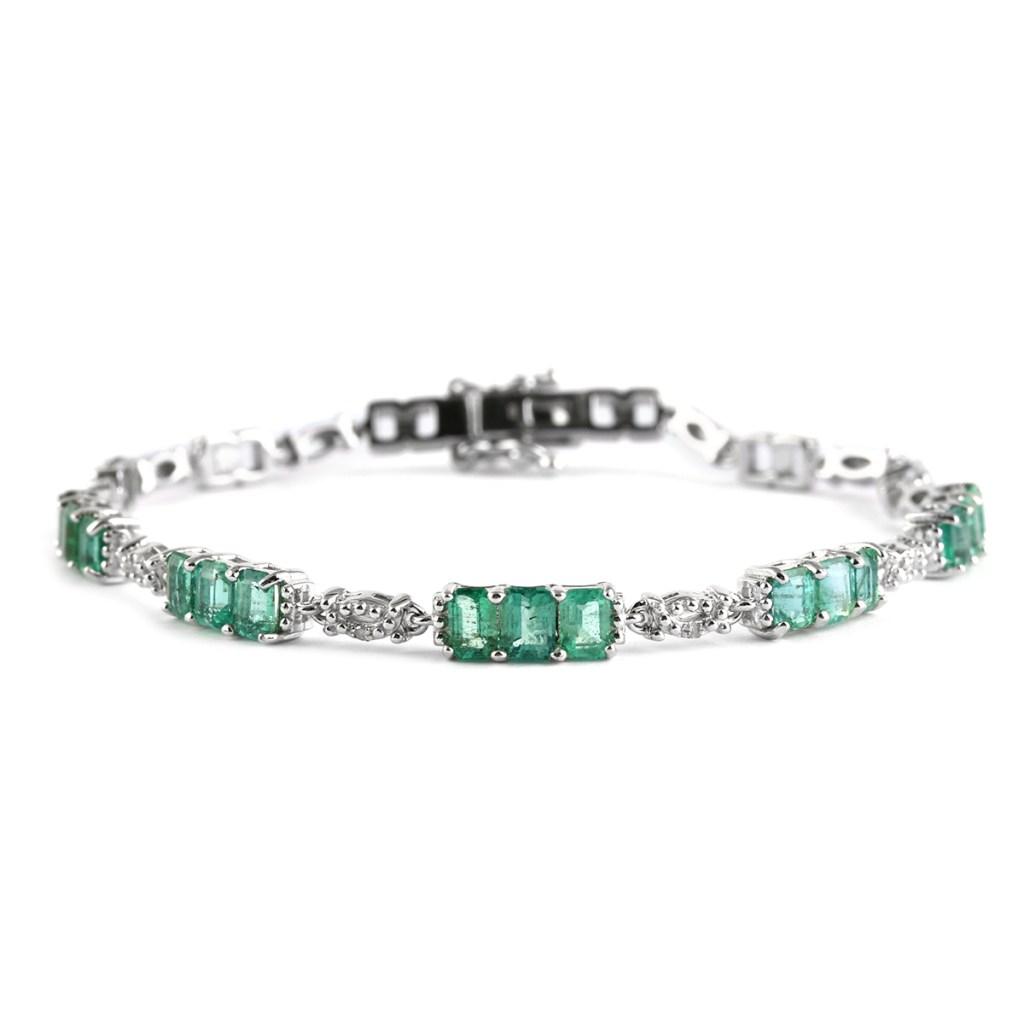 Green emerald bracelet in sterling silver.