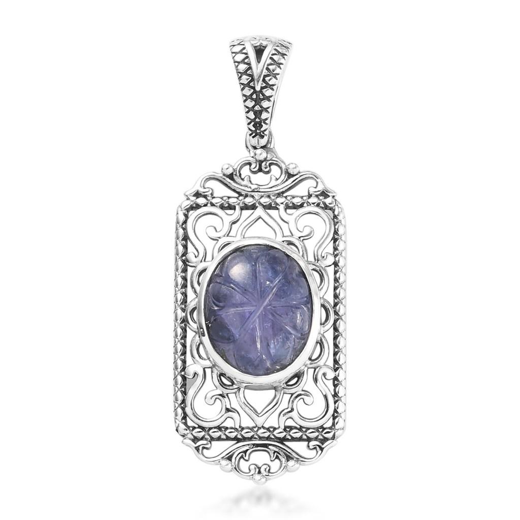 Tanzanite pendant in sterling silver.