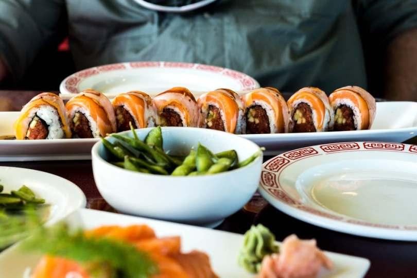 Sushi, pizza, hamburguesas o comida sana te esperan.