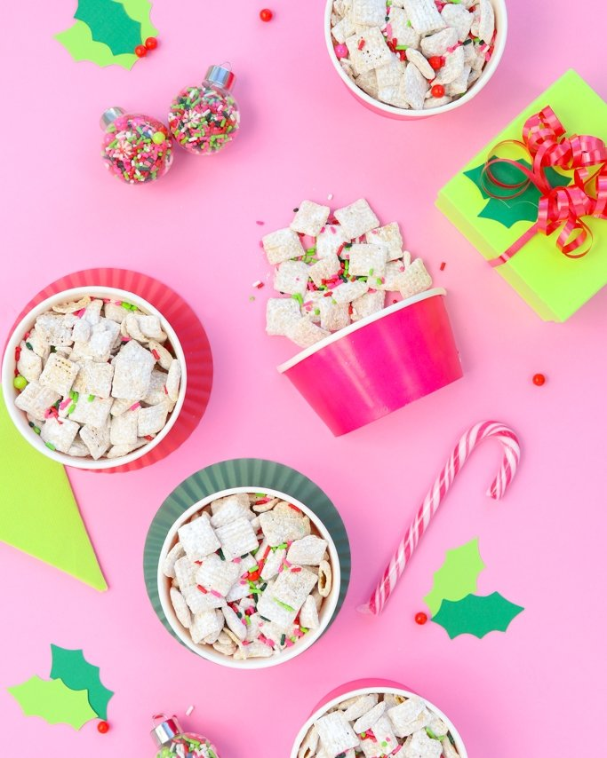 Christmas Puppy Chow.White Chocolate Christmas Puppy Chow Recipe