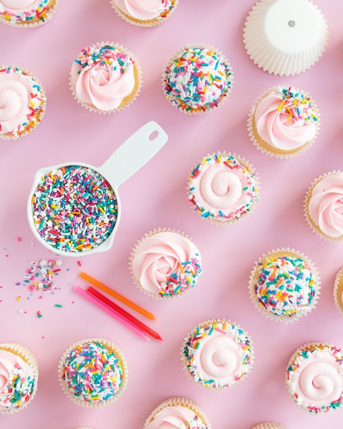 Covered cupcakes with sprinkles - different types of coverage for sprinkle cupcakes
