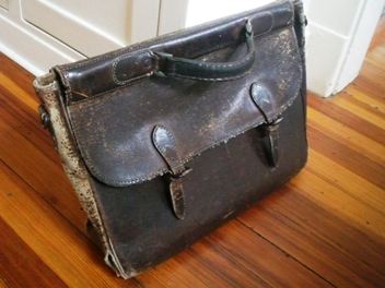 I've now carried this bag for more than 25 years. It's seen courthouses  across the country, and more than a few foreign cities. It's been through  rain, ...