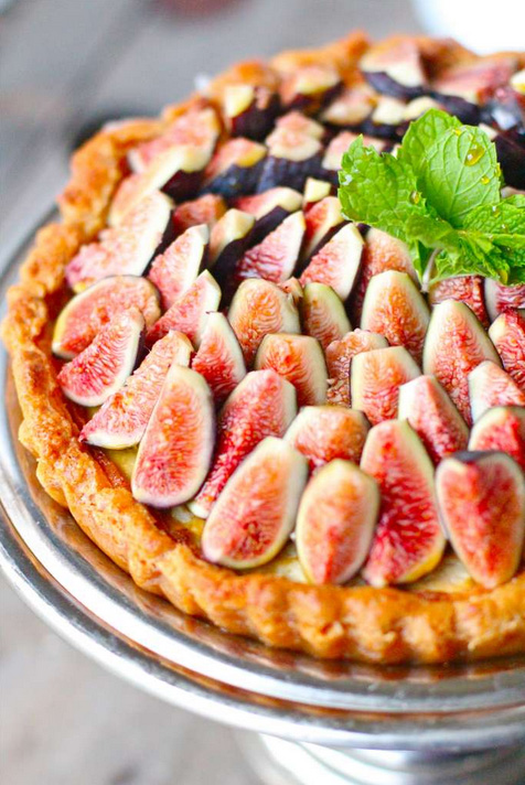 Honey Mascarpone Amaretti Tart with Fresh Figs