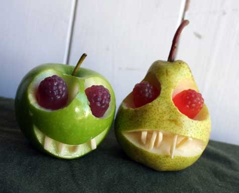 healthy halloween snack apple pear skull