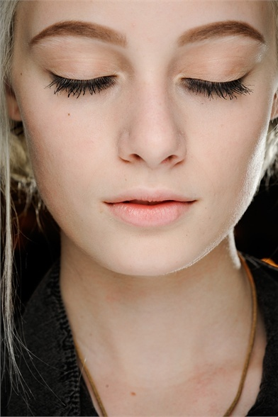 nude eye shadow