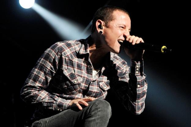 Chester Bennington, seorang penyanyi terkenal dari Linkin Park, dilaporkan menghadapi kemurungan.
