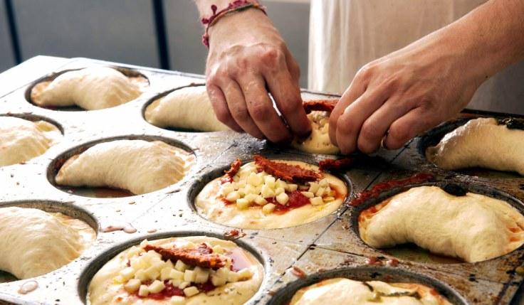 making panzerotti