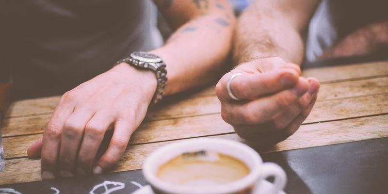 restaurant-hands-people-coffee (1)
