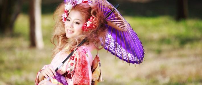 桜と一緒の晴れ姿 屋外ロケによる成人式前撮り撮影