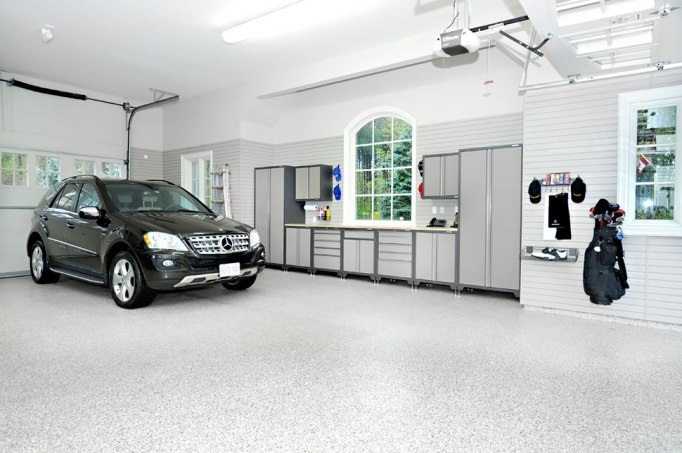Mercedes-Benz Garage DIY renovations epoxy floor