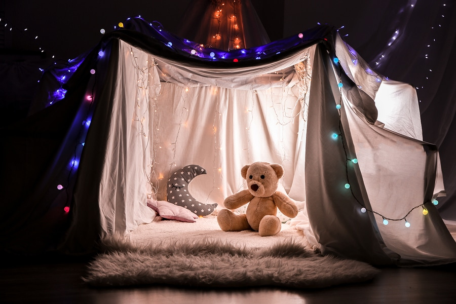 build a pillow fort for kids with