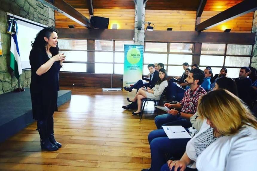El emprendimiento social también ayuda a conectar a las personas solidarias con posibles donantes.