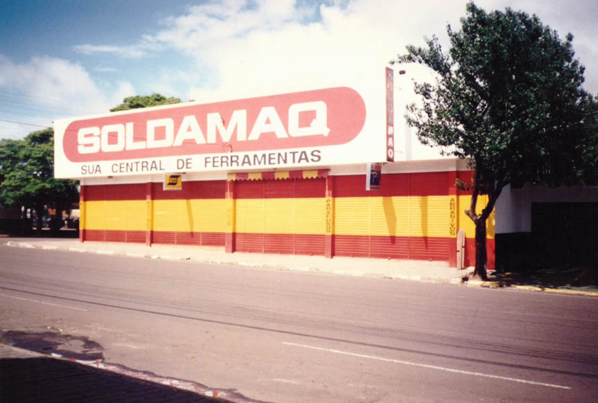 1° prédio próprio, Rua 13 de Maio, ano 98