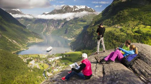 Vistas de Fiordos Noruegos