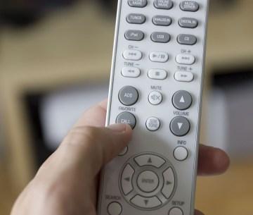 La télécommande de la Denon Ceol N8