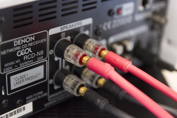 EDIT: Nous avons testé la Denon Ceol avec des câbles NorStone Silver 150 ainsi que Viard Audio Premium HP et Viard Audio Silver HD 12. Les résultats avec le Silver HD12 sont épatants.