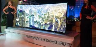 """Téléviseur OLED Samsung de 105"""" au format 21:9"""