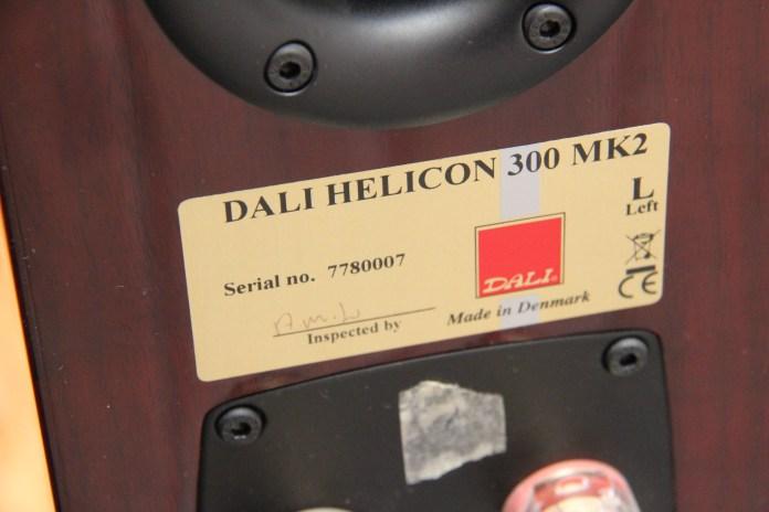 Les enceintes Dali les plus haut de gamme sont toutes signées à la main par leur concepteur