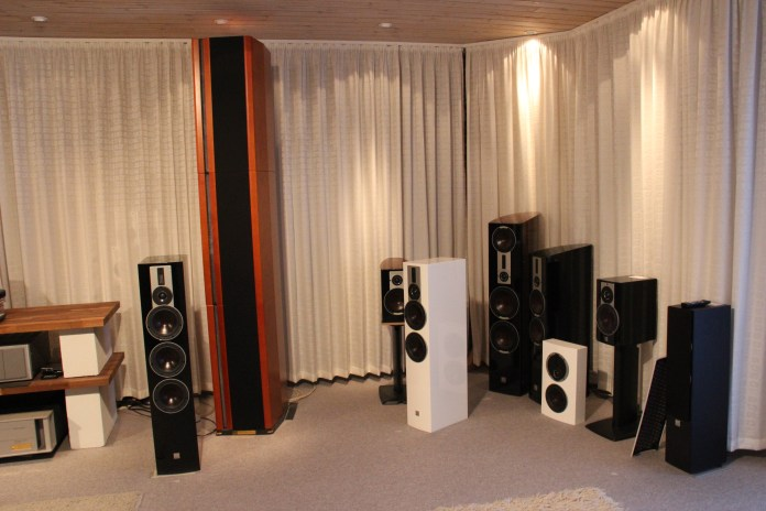 Quasiment tous les modèles de référence peuvent être comparés dans ce salon d'écoute