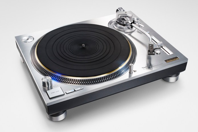 Technics Grand Class SL-1200GR Direct-Drive
