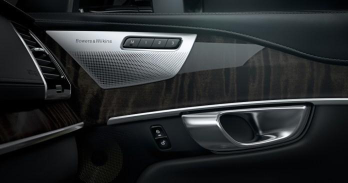 Volvo b&w