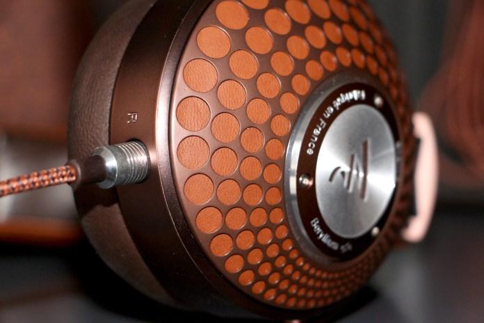 Focal Stellia : finition cuir, aluminium et acier inoxydable