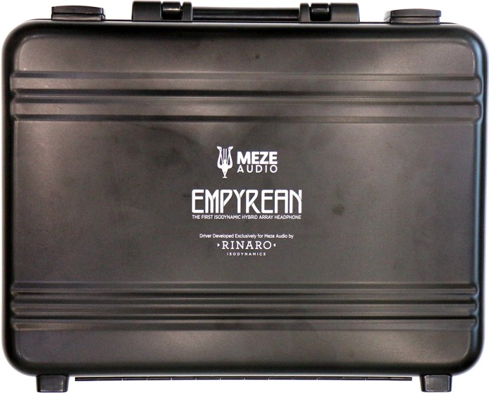 La mallette en aluminium du casque Meze Empyrean.