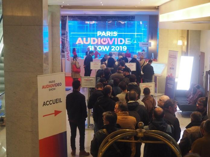 Accueil du Paris Audio Vidéo Show dans l'hôtel Novotel Paris Tour Effeil.