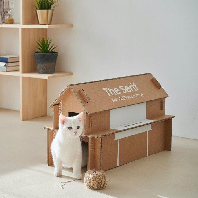 Samsung présente son nouveau carton d'emballage écologique recyclable en maison pour chat