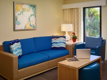 Orlando_ES_livingroom
