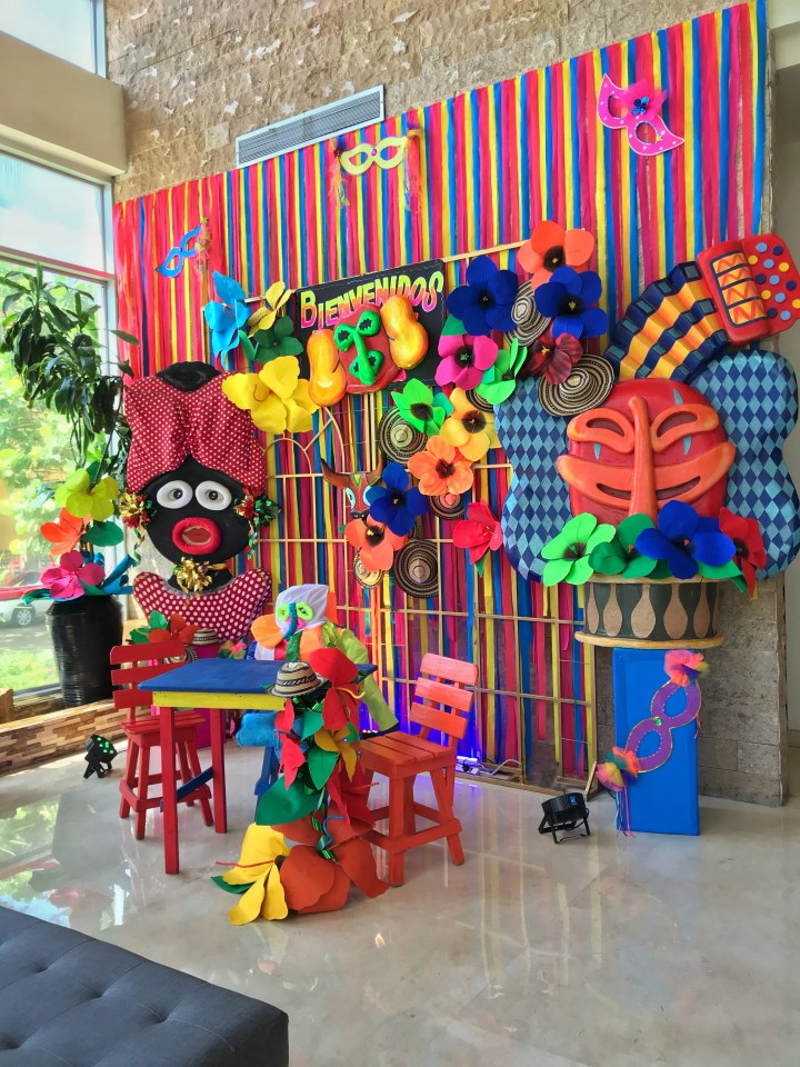 Barranquilla Carnival Front Desk decoration