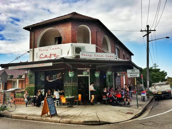Dog-friendly cafes Petty Cash Cafe