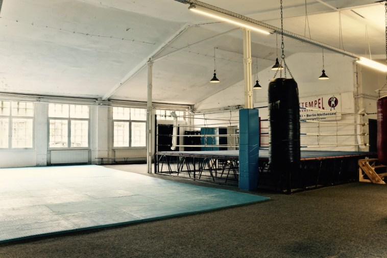 boxing-ring-berlin-1080x721