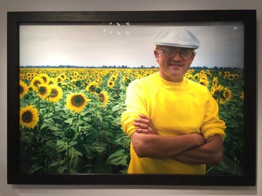 David Hockney: Liebling des Kunstmarkts, aber auch Darling der Fotografen. Diese Frühlingsvariante hat für 14 TEUR noch Eigentümerwechsel-Ambitionen.