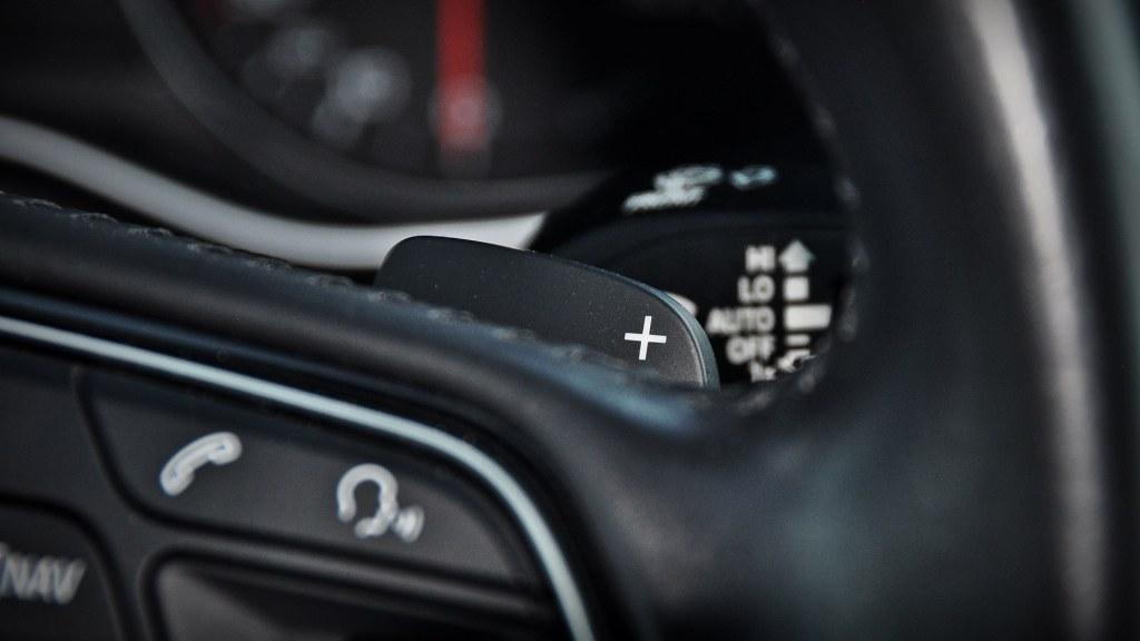 Łopatki do zmiany biegów w trybie manulnym skrzyni automatycznej