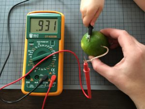 The Lemon Battery - 0.931V with one cell
