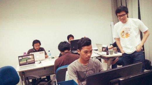 Tim dan CEO Sribu.com bermain Counter Strike