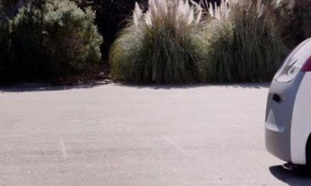 Carro do Google que dirige sozinho