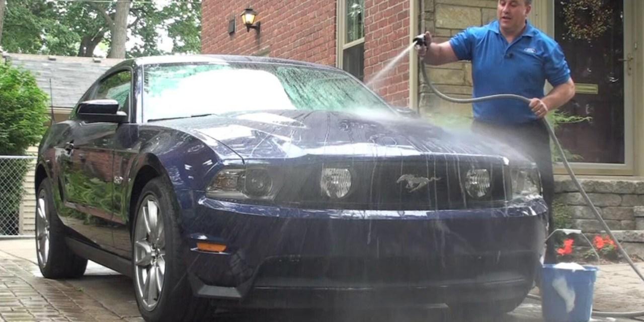 Lavar e proteger o carro do jeito certo
