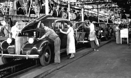 A linha de montagem de Henry Ford